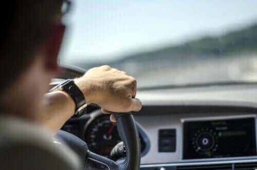 De meest gebruikte medicijnen die het autorijden beïnvloeden