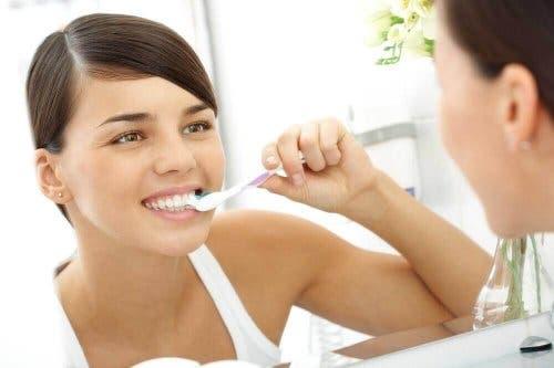 Goede mondhygiëne is belangrijk bij mondproblemen