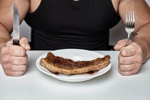 Eet minder koolhydraten tijdens de menopauze