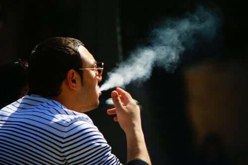 Hoe beïnvloedt tabak de huid