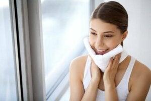 10 redenen om elke avond je make-up te verwijderen