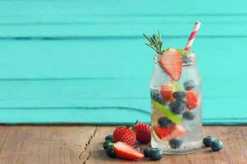 4 recepten voor een infusie van fruit: geniet in de zomer