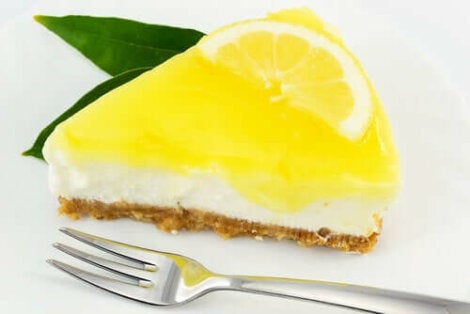 Cheesecake met een gele topping