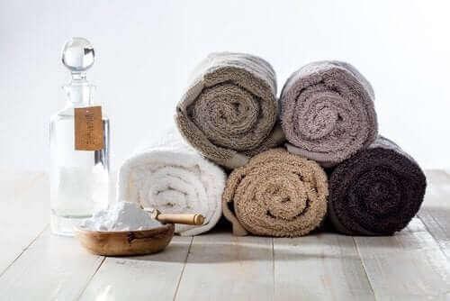 Een oplossing voor zuiveringszout voor superschone handdoeken