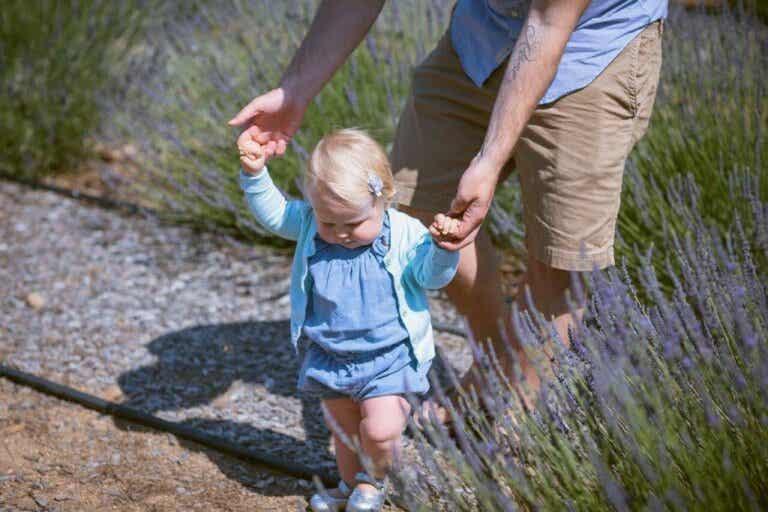 10 oefeningen om je kind te leren lopen