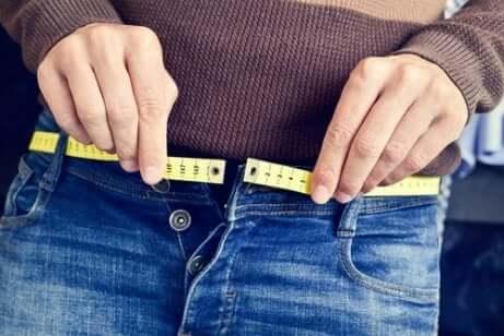 gewichtsverandering is ook een van de vijanden van een gezonde huid