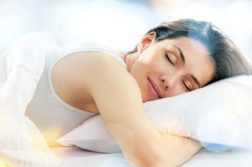 Goed slapen kan ook helpen bij lage rugpijn