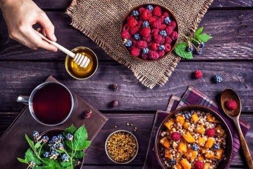 Granen en fruit zijn rijk aan biotine