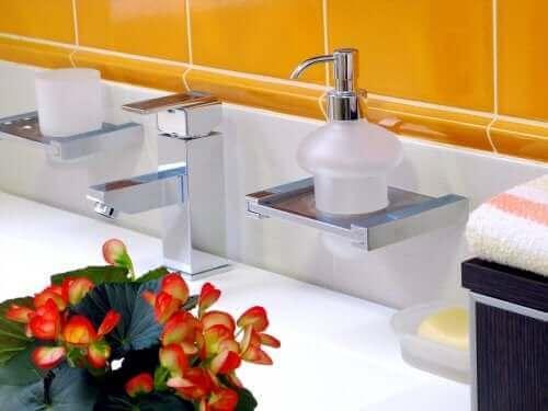 Begonia's in een badkamer