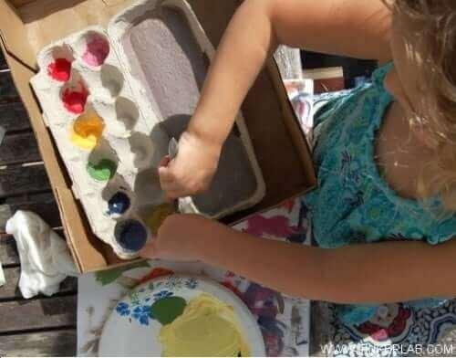Meisje gaat schilderen