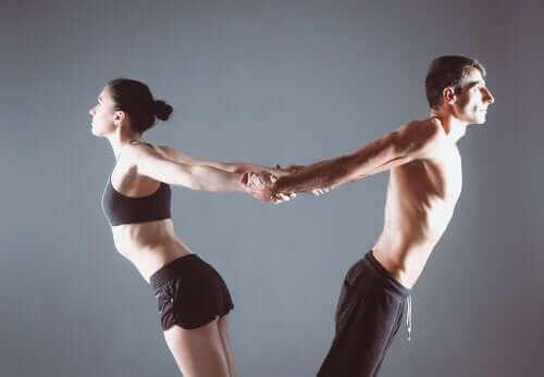 Strekken van de rug en schouders