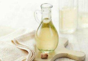Hoe je witte azijn gebruikt om je huis schoon te maken
