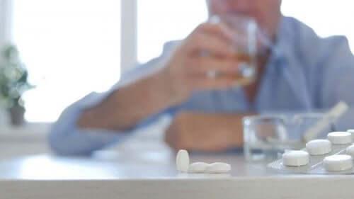 Metabolisme van de lever: antibiotica en alcohol