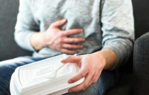 Hoe gastro-oesofageale refluxsymptomen te kalmeren