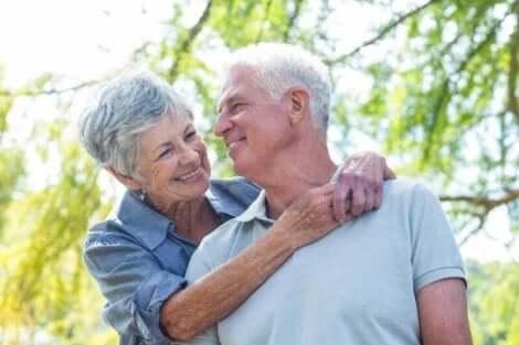 Een gelukkig ouder echtpaar