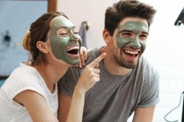 De verschillen tussen de huid van mannen en vrouwen
