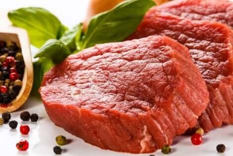 Rood vlees met een hoog urinezuurgehalte