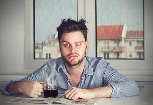 Slaapinertie: wakker worden met een slecht humeur