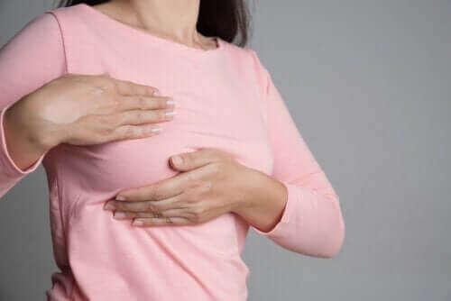 Pijn aan de borsten en de menstruatiecyclus