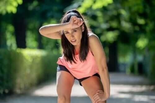 Vrouw na het hardlopen