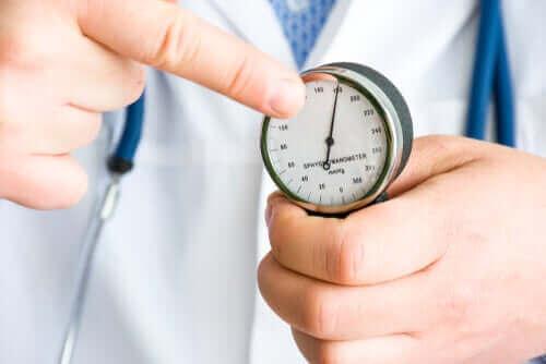 De voordelen van kardemom bij een te hoge bloeddruk