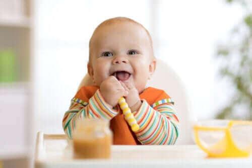 Het spenen van je baby en introductie van bijvoeding