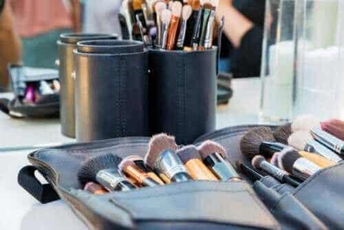 Tips om je make-up tasje schoon te houden
