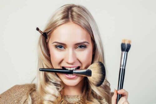Make-up artikelen moet je goed schoonhouden