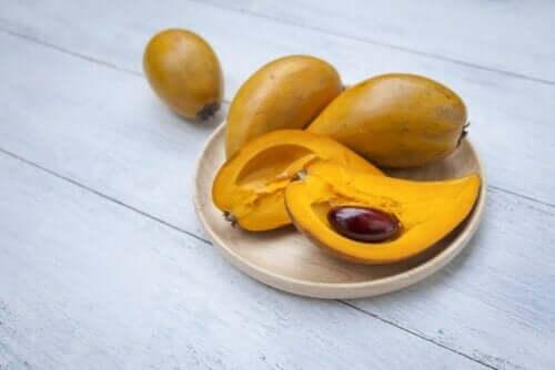 Fruit op een bord