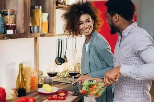 De voordelen om als koppel te koken