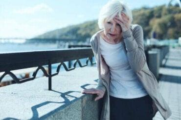 Hoe positieduizeligheid te voorkomen en te behandelen