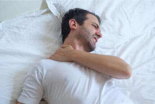 Advies over slapen met tendinitis in je schouder