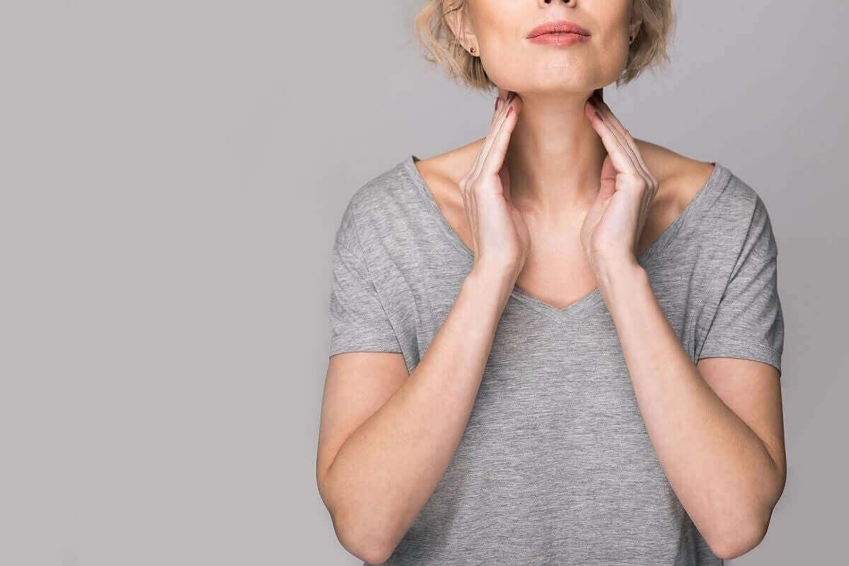 Vrouw heeft problemen met haar stembanden