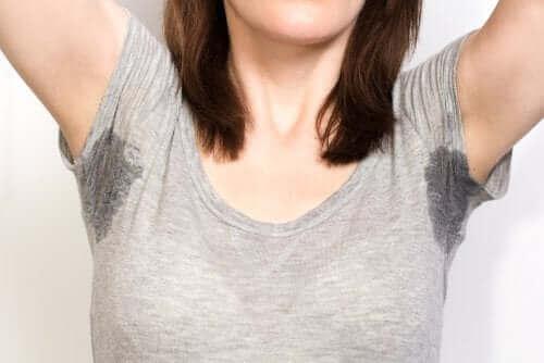 Oksels met zweet
