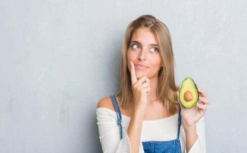 Waarom je geen overmatige hoeveelheden avocado mag eten