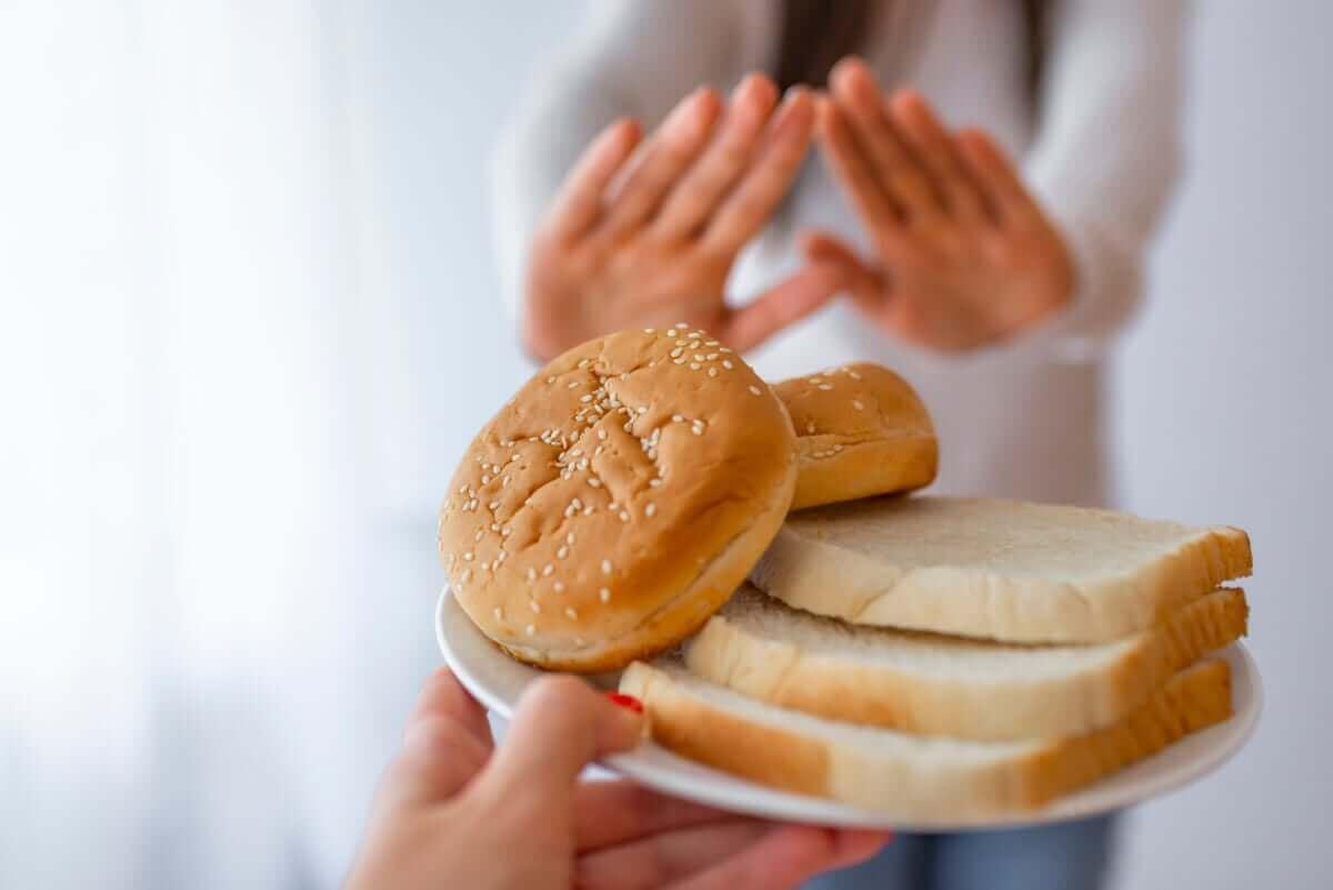 Bord met brood