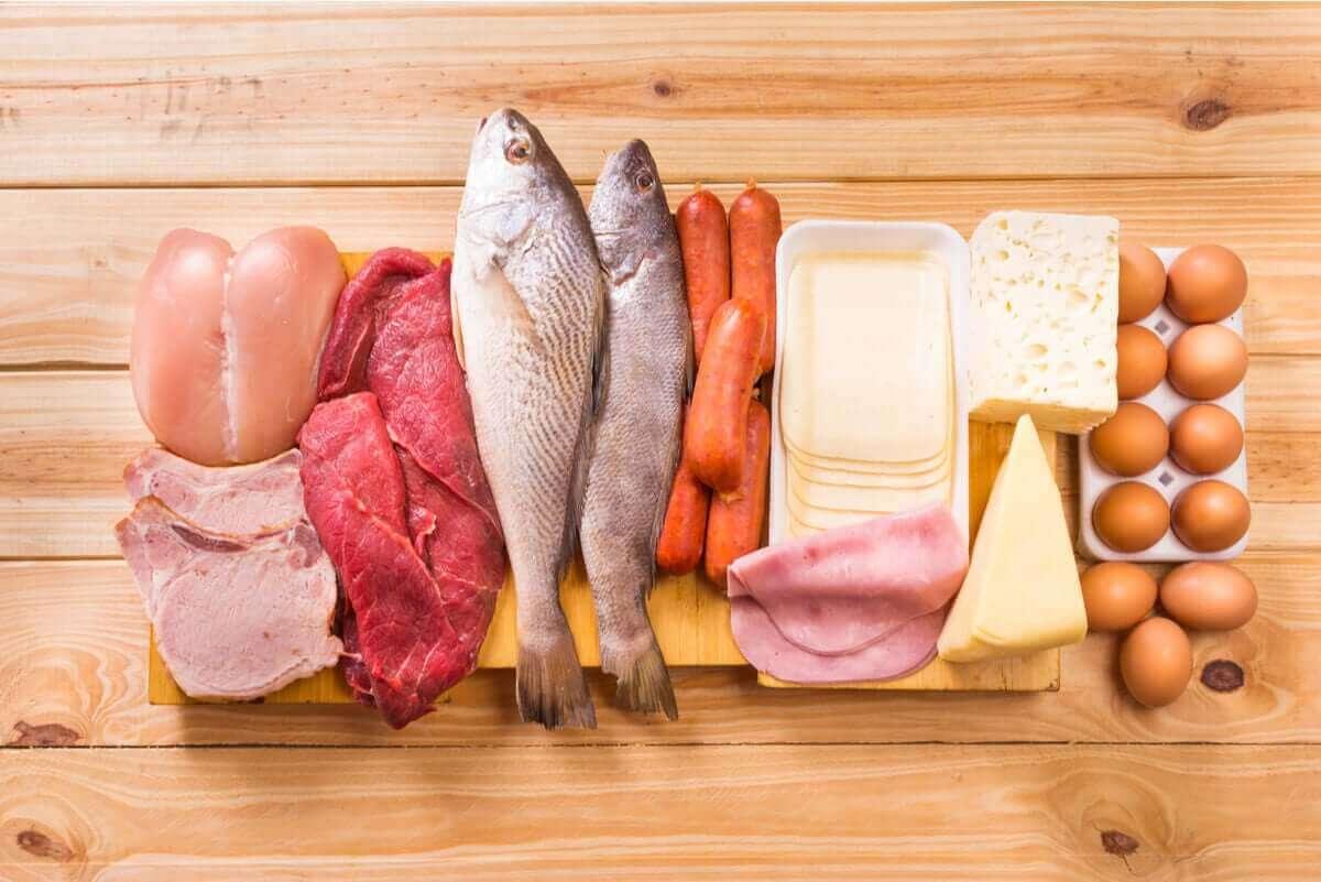 Verschillende rauwe voedingsmiddelen