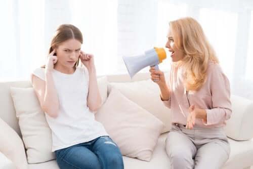 Hoe schreeuwen tegen kinderen hen pijn doet