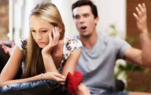Wat te doen als je partner je verbaal mishandelt