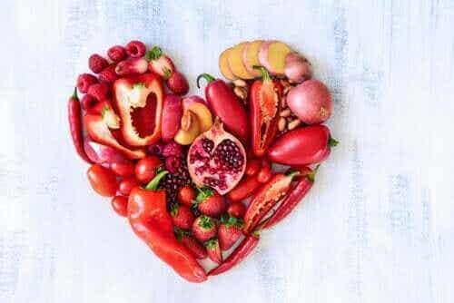 De voedingswaarde van rode groente- en fruitsoorten