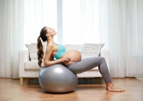 Goede oefeningen voor zwangere vrouwen voor de bekkenbodem