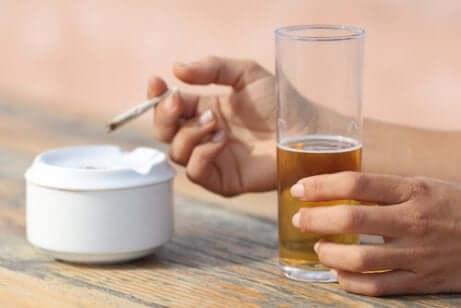Bier en een sigaret