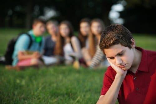 Hoe je kinderen kunt helpen omgaan met groepsdruk