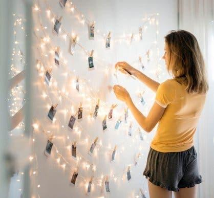 Hang eens foto's aan een lichtslinger