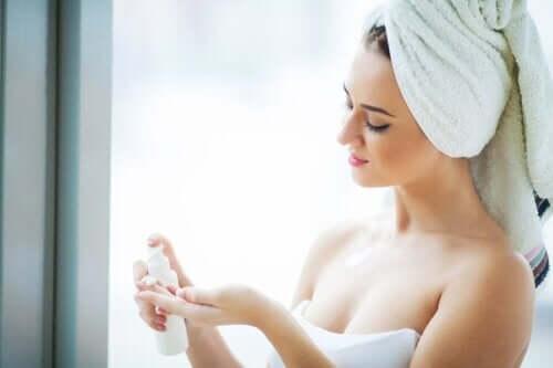 5 natuurlijke remedies om je gezicht op te frissen