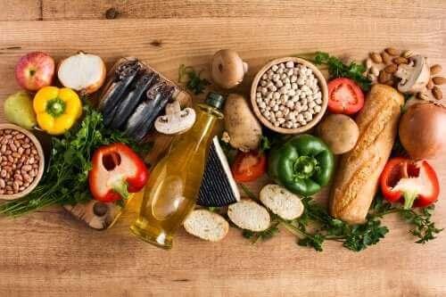 Ingrediënten die het mediterrane dieet vormen: top 10