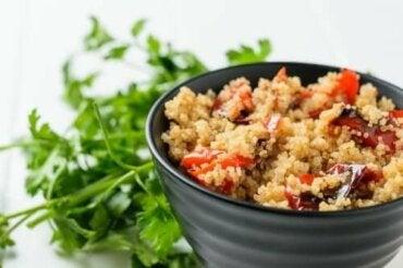 Geroosterde groentesalade met quinoa