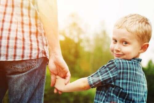 Wat is een ontremd-sociaalcontactstoornis bij kinderen?