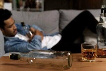 Mijn partner is alcoholist: hoe kan ik helpen?