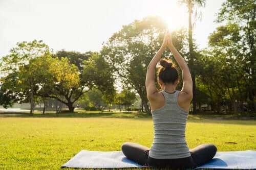 6 yoga-oefeningen om beter te rusten